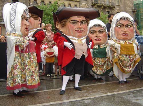 gigantes cabezudos fiesta catalana